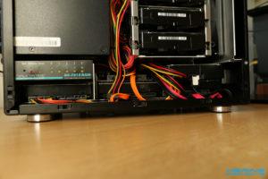 LianLi Q25B Montageblech Seitenansicht