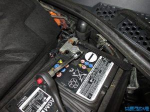 Abklemmen der KFZ Batterie Seat Leon 5F